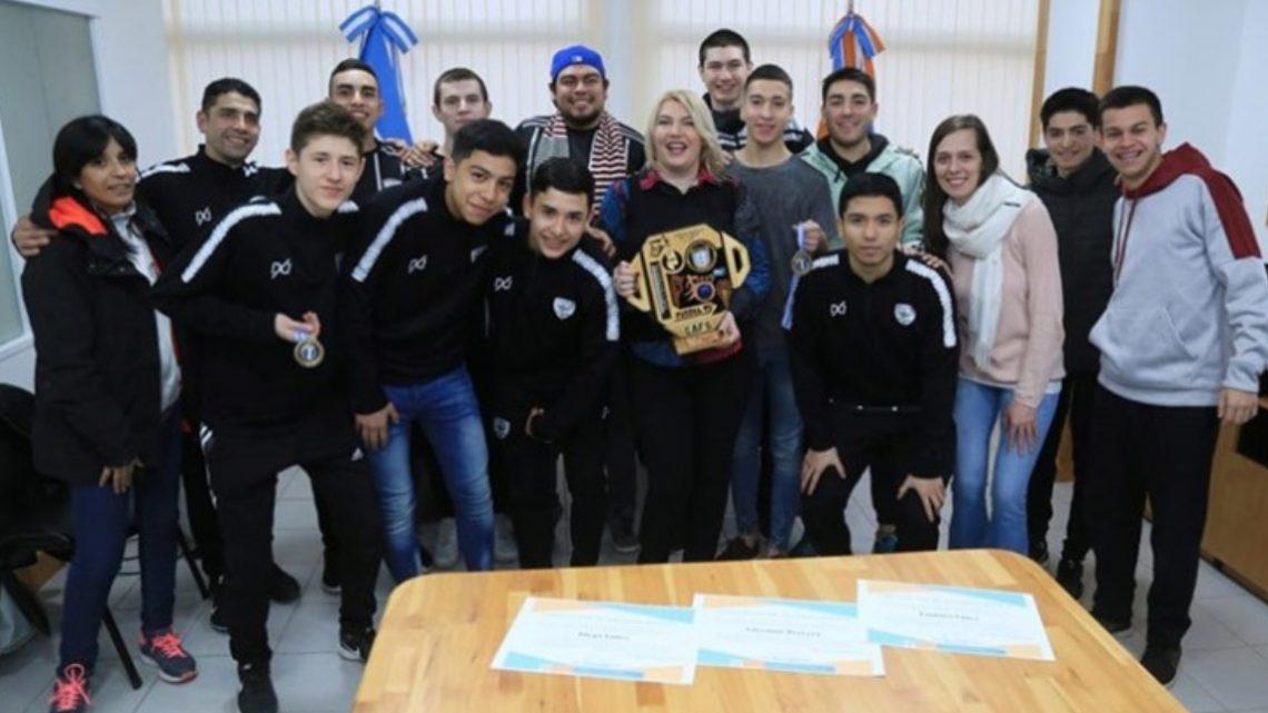 La gobernadora recibió al plantel del Club Sportivo campeón del Torneo Nacional de Clubes C-17