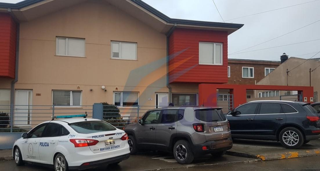 Un médico sufrió violento intento de robo en la puerta de su casa