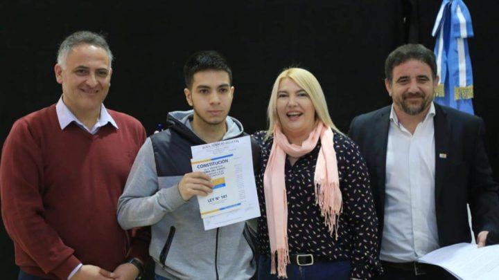 Bertone Firmó La Titularización De 221 Docentes