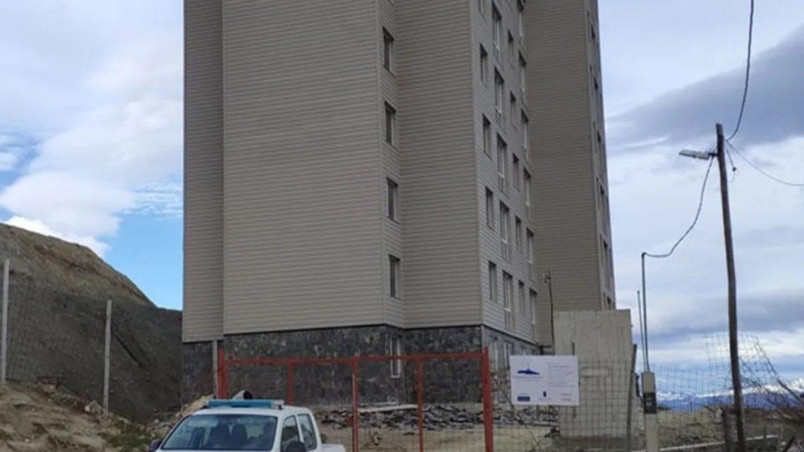 Un hombre murio al caerse de un quinto piso