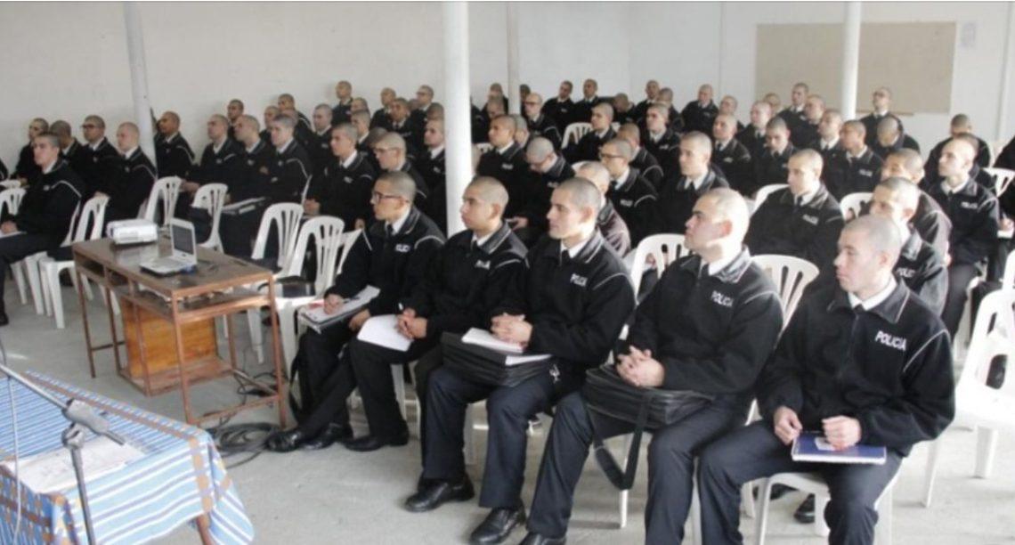 Capacitan a aspirantes de la Escuela de Policía en prevención del suicidio
