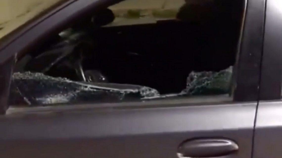 #RioGrande: UNA #MUJERDESPECHADA #DESTRUYÓ CON UN HACHA EL #AUTO DE LA #NUEVAPAREJA DE SU #EX.