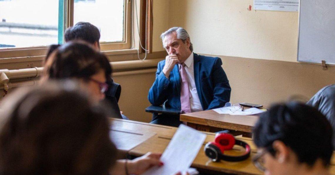 Ya como presidente, Alberto Fernández tomó examen en la Facultad de Derecho