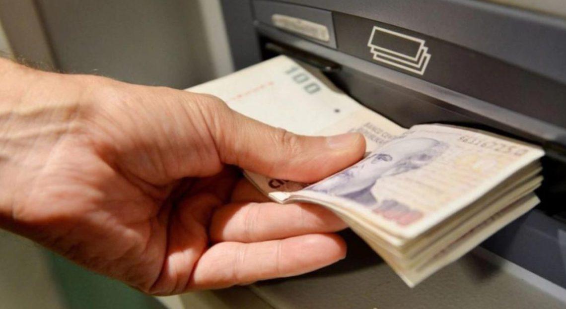 Gobierno pagará a los estatales provinciales un bono de 9 a 15 mil pesos