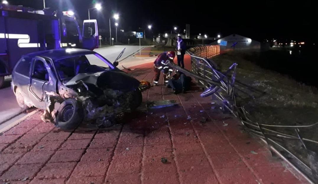 Una persona lesionada se registró tras colisión en la costanera de Ushuaia