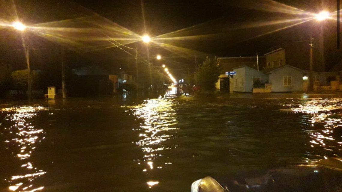 Intensas lluvias en Río Grande: Hubo más de 30 llamadas de vecinos solicitando asistencia