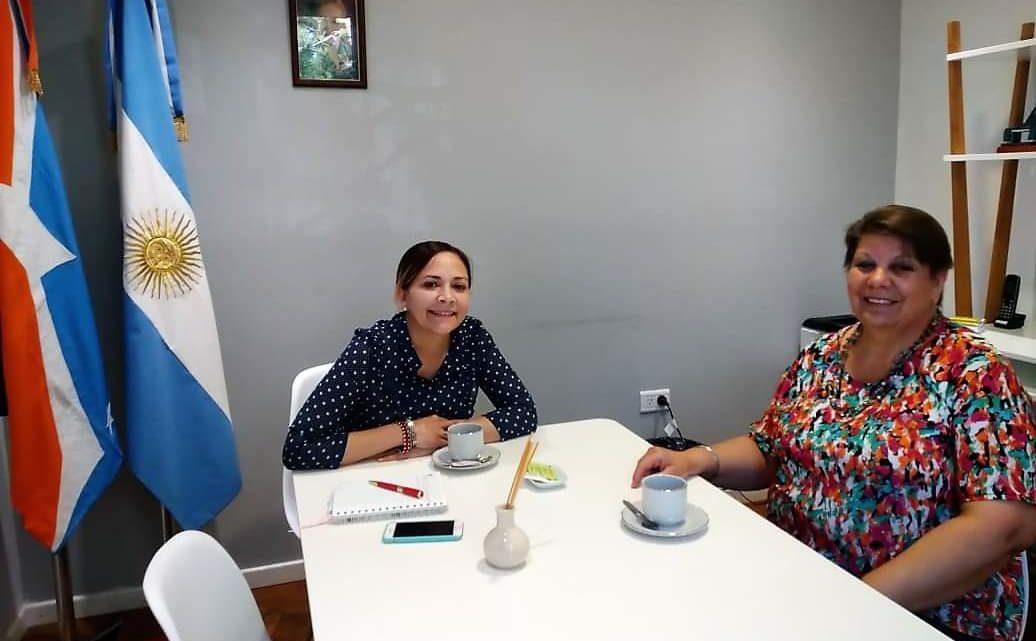 """La Concejala Cintia Susñar Recibió A Silvia Elena Chedrese, Presidenta De La Casa Del Niño """"Madre Teresa De Calcuta""""."""