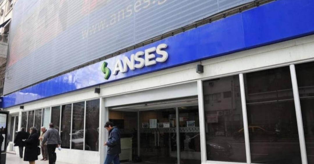 La Anses Lanzó El Cronograma De Inscripción Cobrar Los $10.000 De Ingreso Familiar De Emergencia