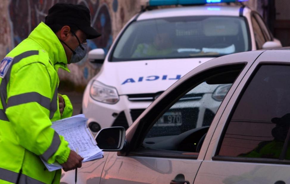 54 policías se encuentran en aislamiento por un caso + de Covid-19