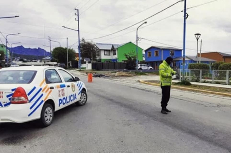 Empleado Judicial Borracho Y Con Auto Oficial, Atropello A Policia Y Se Fugo En Ushuaia