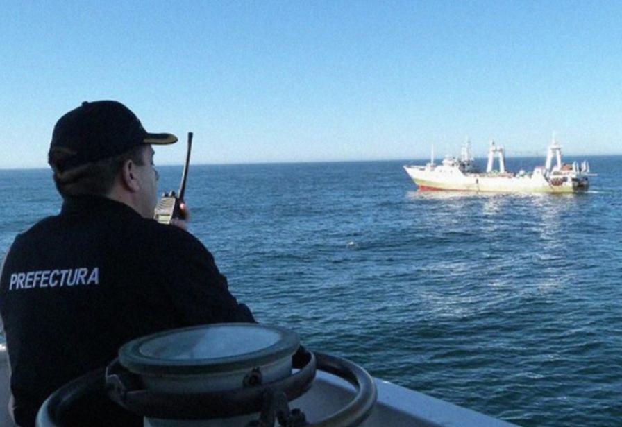 Capturaron tres buques extranjeros por pesca ilegal en el sur argentino