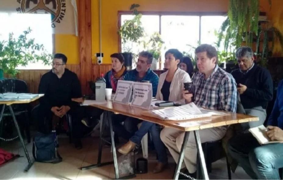 Lo prometido es deuda: Los docentes siguen relegados por Gustavo Melella