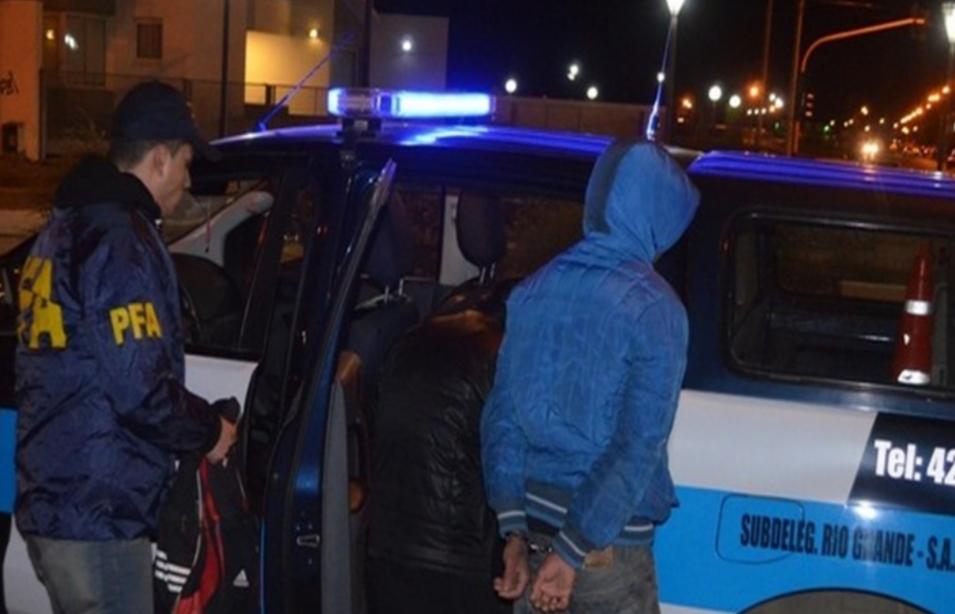 Jueza ordeno expulsión de dominicano detenido con droga