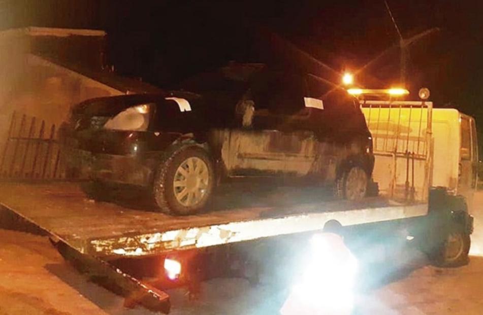 Dos vehiculos incautados, un detenido y un conductor huyo a pie