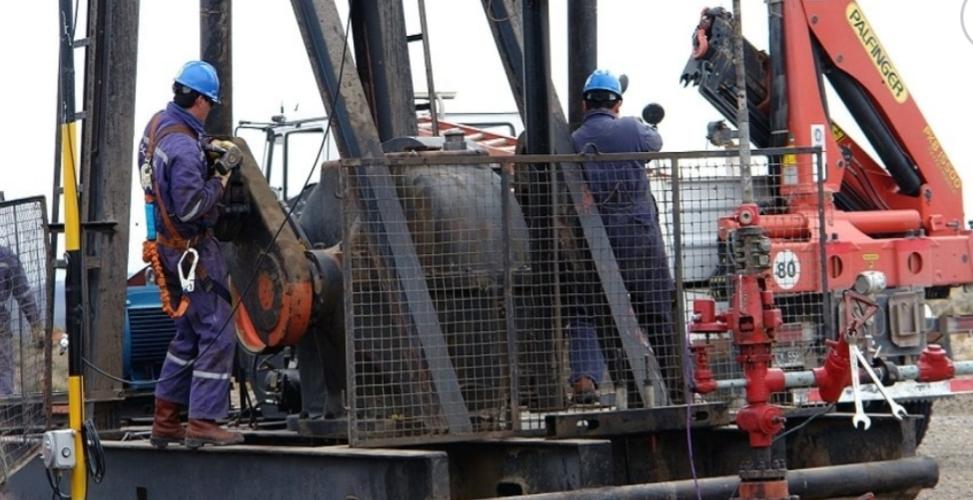 Un petrolero dio positivo y aislaron a 8 trabajadores