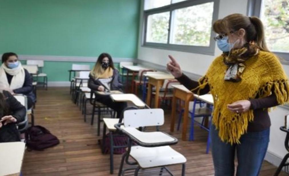 Ministro dijo que recien volverian todos a clases cuando haya una vacuna