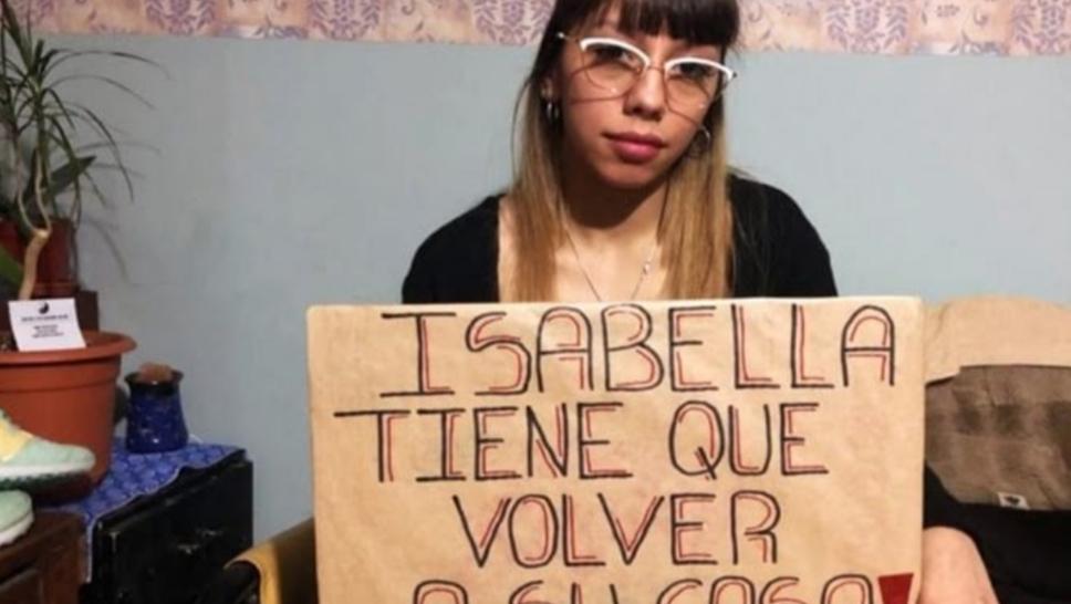 Mujer reclama por no poder ver a su hija desde hace 150 dias
