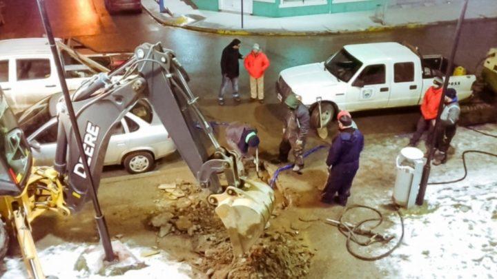 Redes de agua en Ushuaia complicadas por los congelamientos: perdían 27 litros de agua por segundo