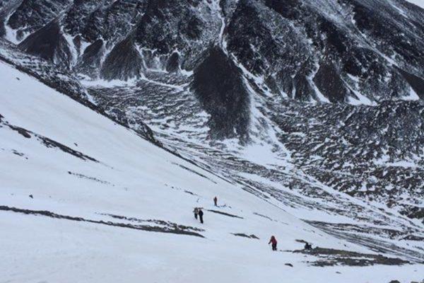 """""""Nos preocupa la alta circulación de personas en la montaña y el alto riesgo de avalanchas"""", dijo Sebastián Beltrame"""