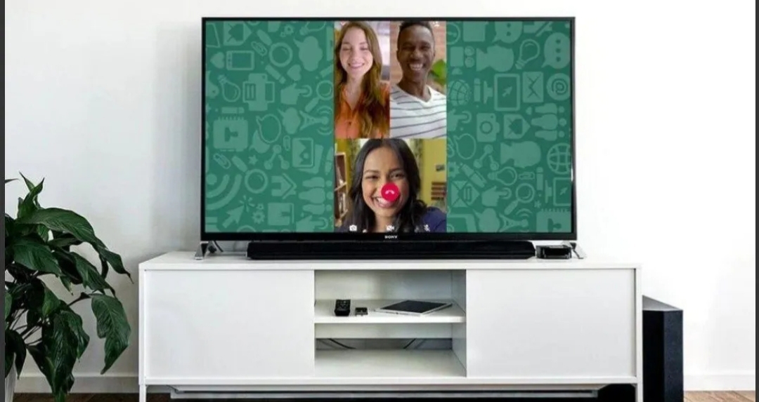 ¿Cómo transmitir videollamadas de WhatsApp en un televisor?