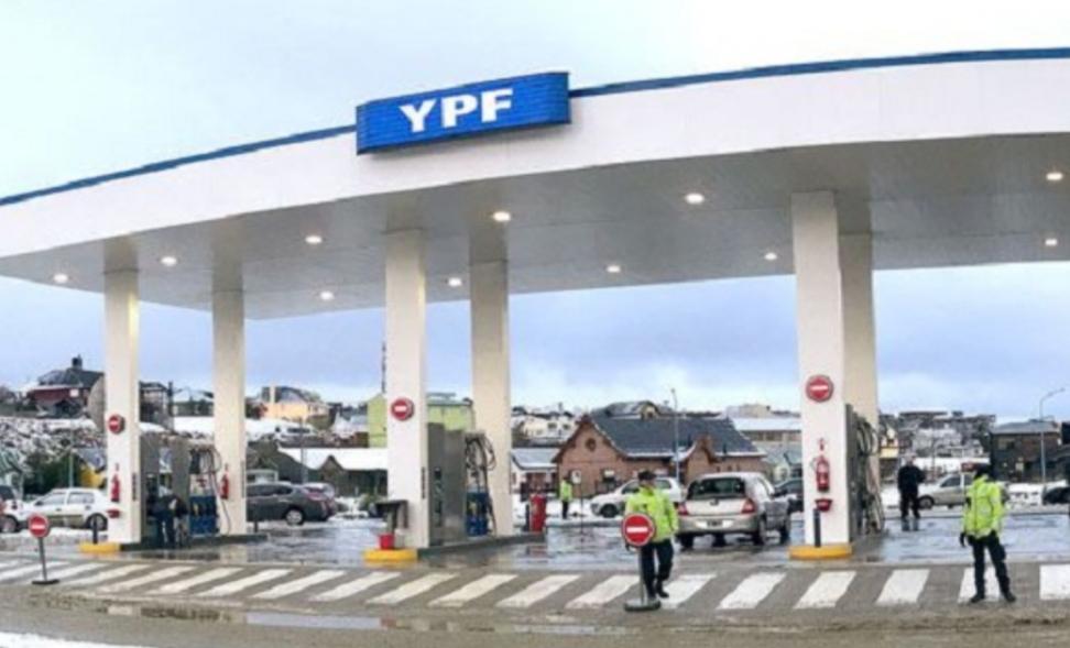 Dos detenidos por provocar incidentes en estación de servicio