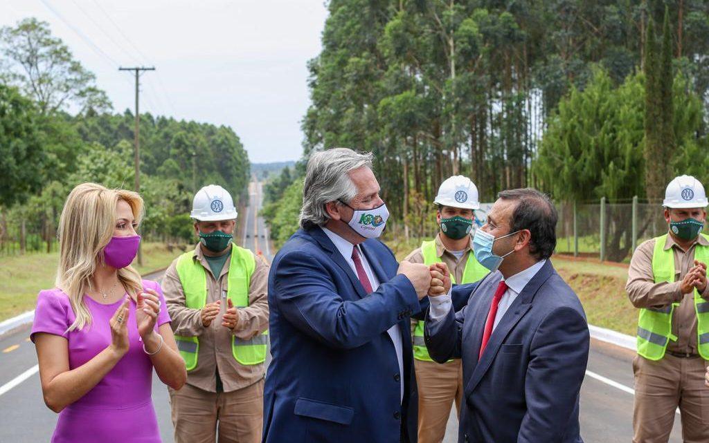 El Presidente ya se encuentra en Misiones, donde inauguró la pavimentación de la avenida que une los municipios de Capioví y Ruiz de Montoya
