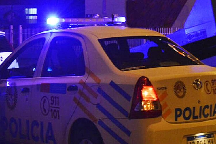 Detendrán a los vecinos de Río Grande que circulen fuera de hora y secuestrarán autos