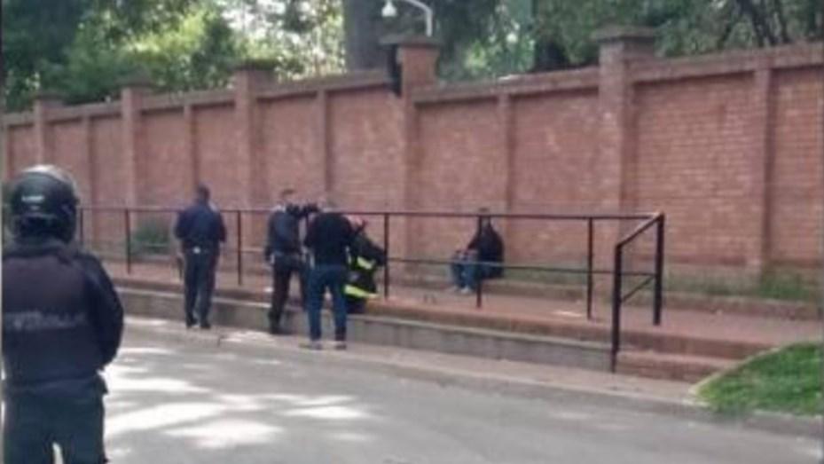 El hombre que arrojó la bomba molotov en Olivos volvió a la Quinta y amenazó con suicidarse