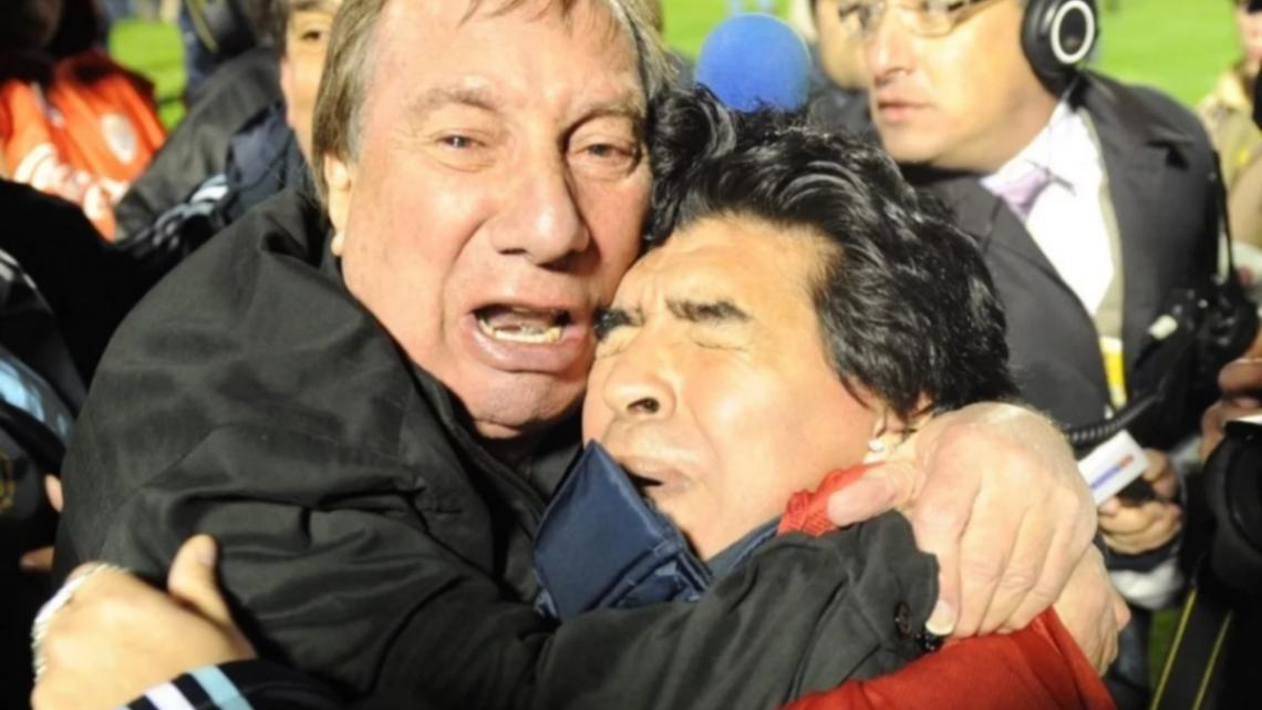 """La muerte de Diego: A Carlos Bilardo le dijeron que """"se cortó el cable"""""""