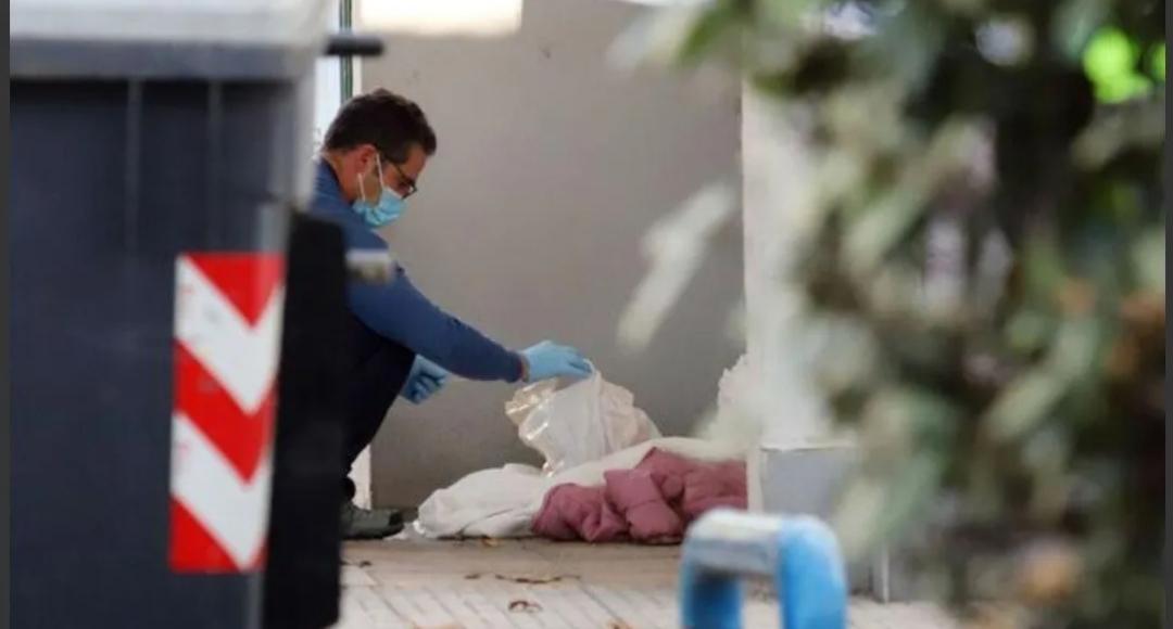 De terror: decapitó a un amigo, paseó con su cabeza y la tiró a un tacho de basura