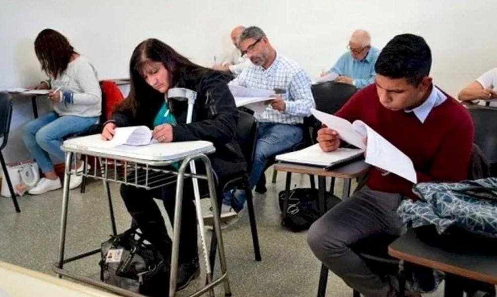 Podrán estudiar en la universidad los mayores de 25 sin secundario completo