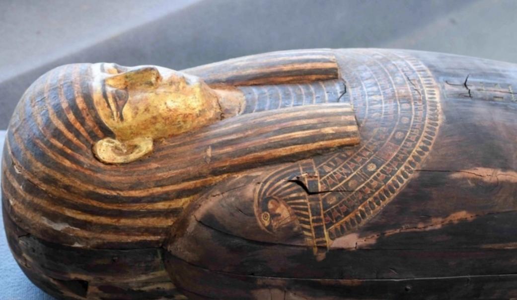 Tesoro arqueológico: Descubren cien sarcófagos intactos en Egipto
