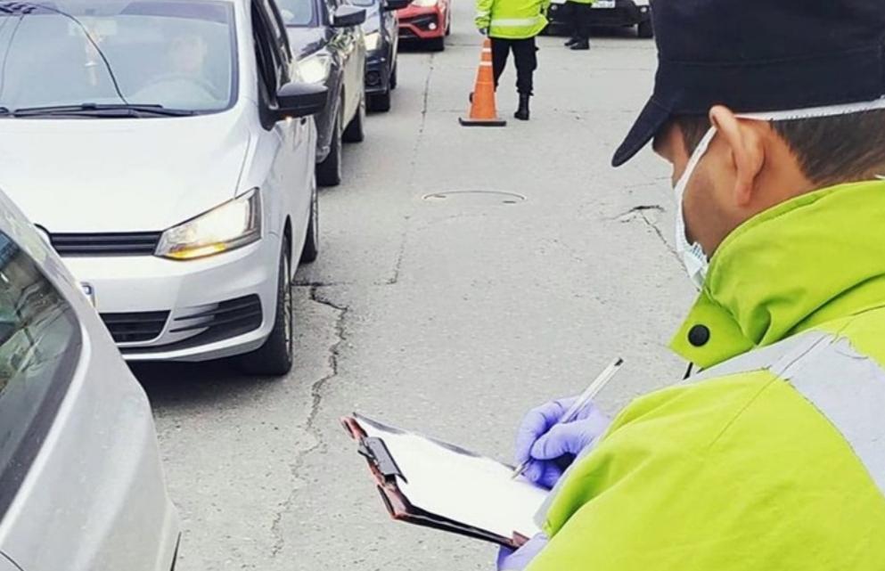 Controles vehiculares nocturnos de la policia solo seran informativos
