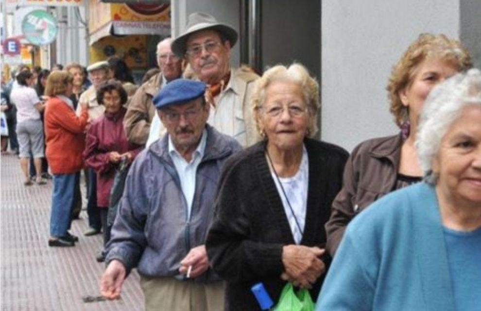 Más personas sin aportes podrán jubilarse: se vendría una nueva moratoria