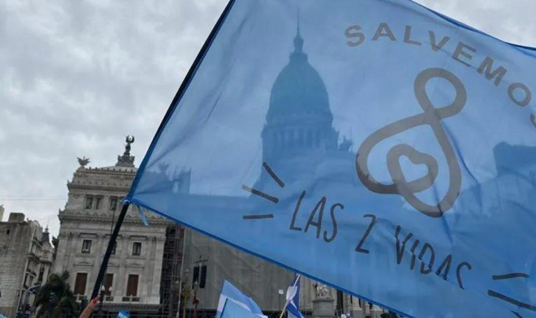Movilización «celeste» frente al Congreso en contra del proyecto de legalización del aborto
