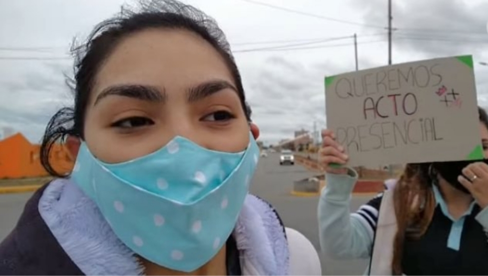 Estudiantes se movilizaron para reclamar actos de egresados presenciales