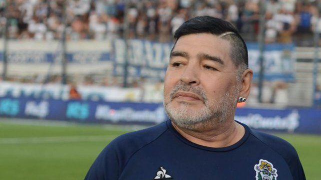 Operarán de urgencia a Diego Maradona por un hematoma subdural