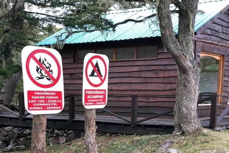 El Gobierno confirmo que sigue la prohibicion para acampar en TDF