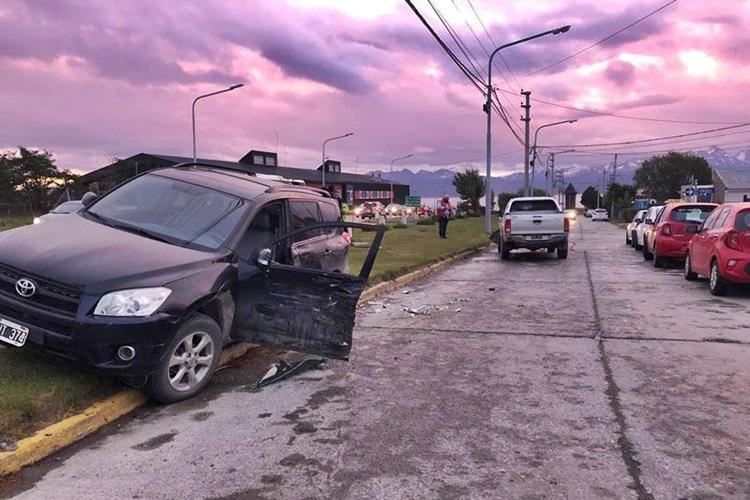 Choque entre una RAV y una Hilux sin lesionados