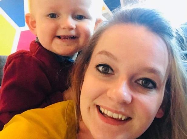 Una mujer encontró la cabeza de una extraña criatura en la comida envasada para su bebé
