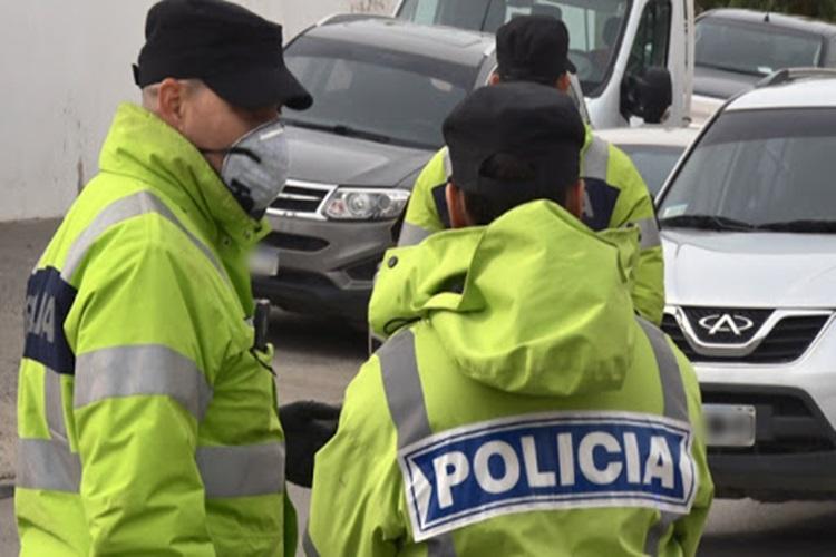 Denuncian a Policias por pedir donaciones en comercios para las Fiestas