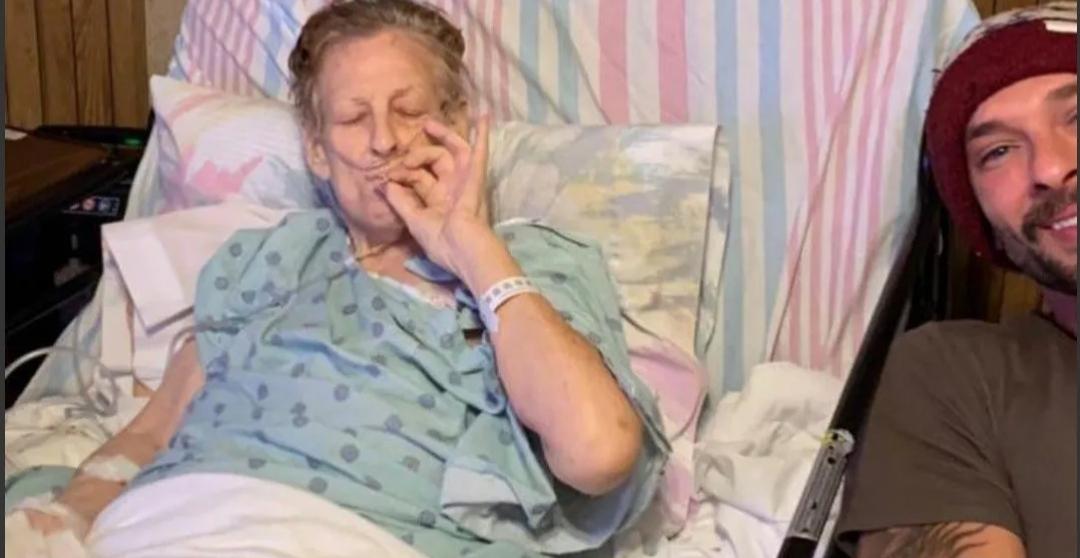 Una abuela pasó sus últimas horas de vida drogándose con su nieto