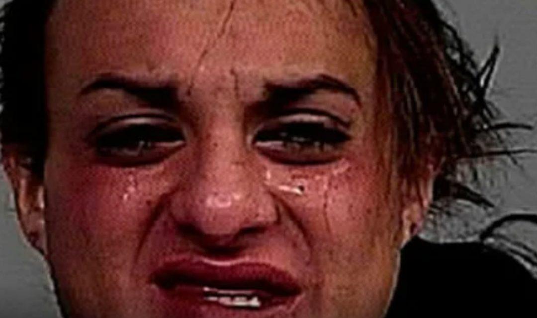 Transexual violó a una niña en un baño de mujeres