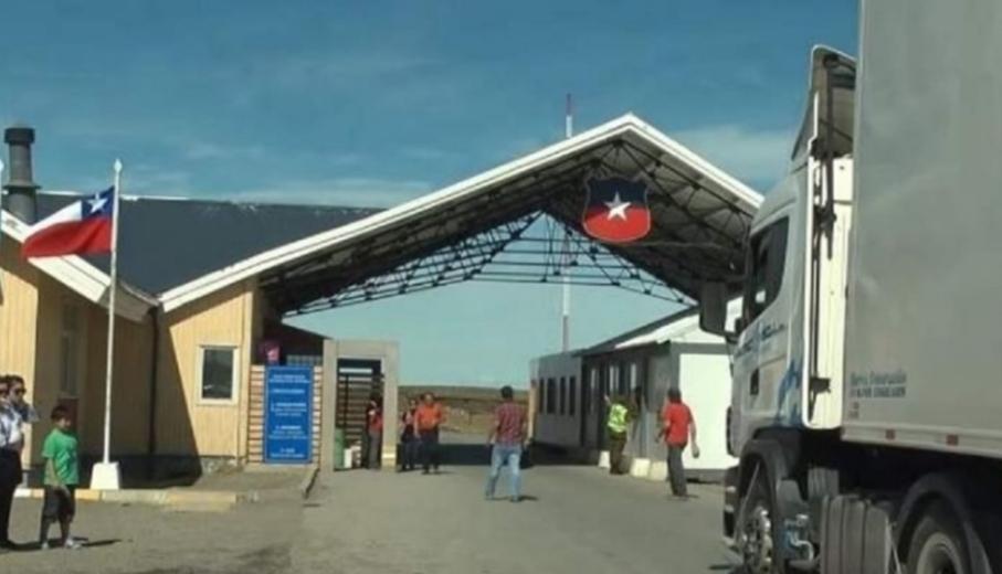 Tránsito de fueguinos afectado por toque de queda en Chile
