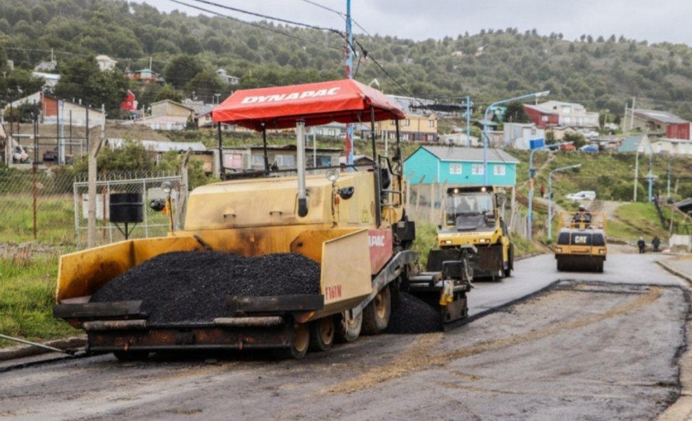 En Ushuaia avanza la repavimentación del Barrio Perón