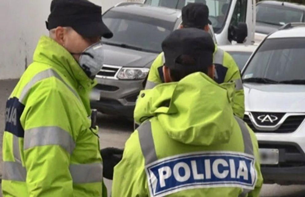 Cuatro detenidos luego de intentar huir borrachos en una camioneta