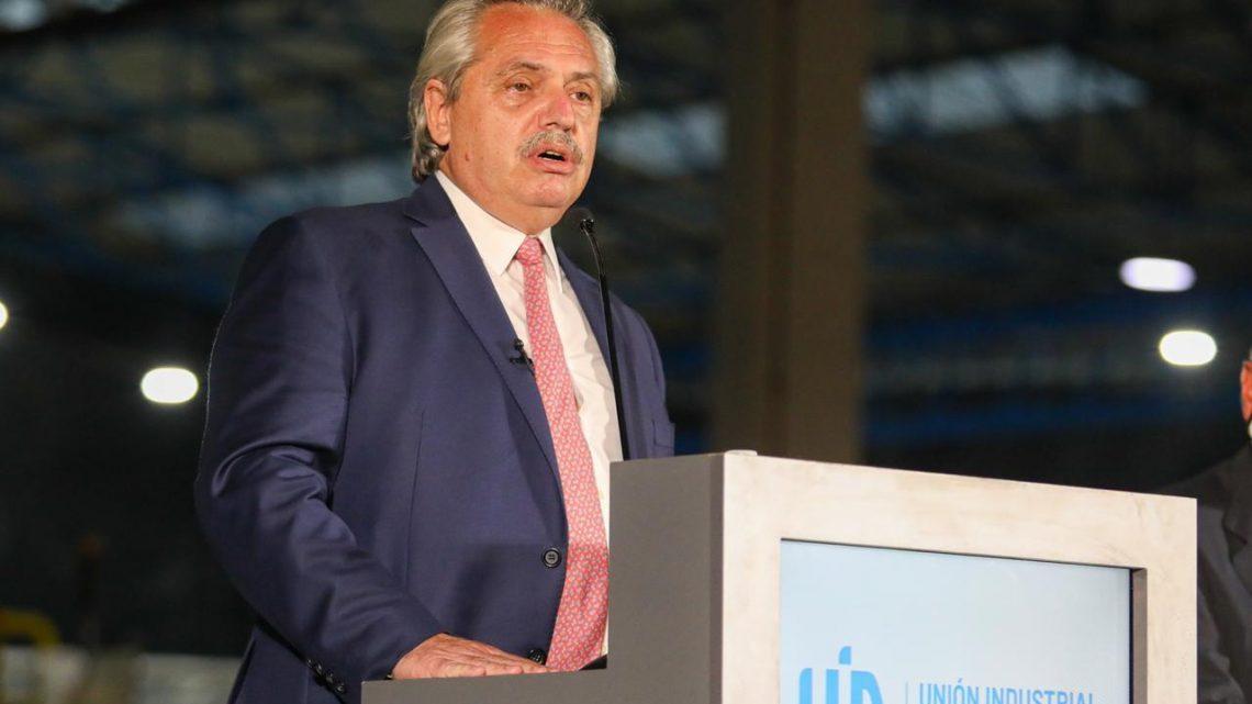 """Alberto Fernández en Conferencia de la UIA: """"La Argentina se está recuperando, la Argentina empezó a moverse"""""""