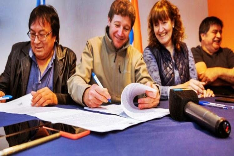 ATE divida por acuerdo salarial firmado con el Ejecutivo