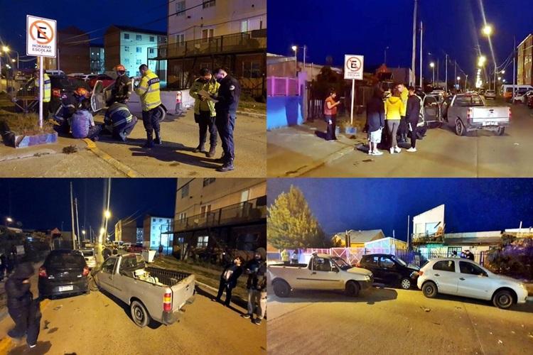 Joven conductor impacto contra dos vehiculos estacionados