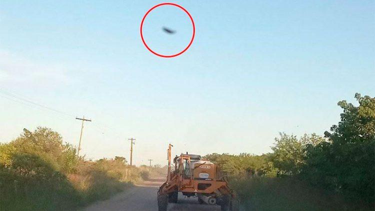 Un productor rural captó un OVNI nítido al terminar de sembrar